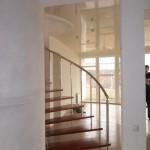 Лестницы на больцах: фото 20