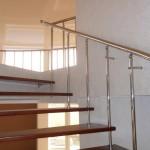 Лестницы на больцах: фото 23