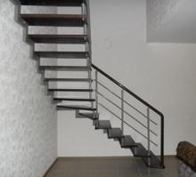 Лестница с поворотом 90 градусов