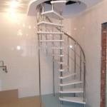 Лестницы на больцах: фото 35