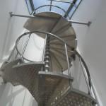 Лестницы на больцах: фото 37