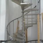 Лестницы на больцах: фото 38